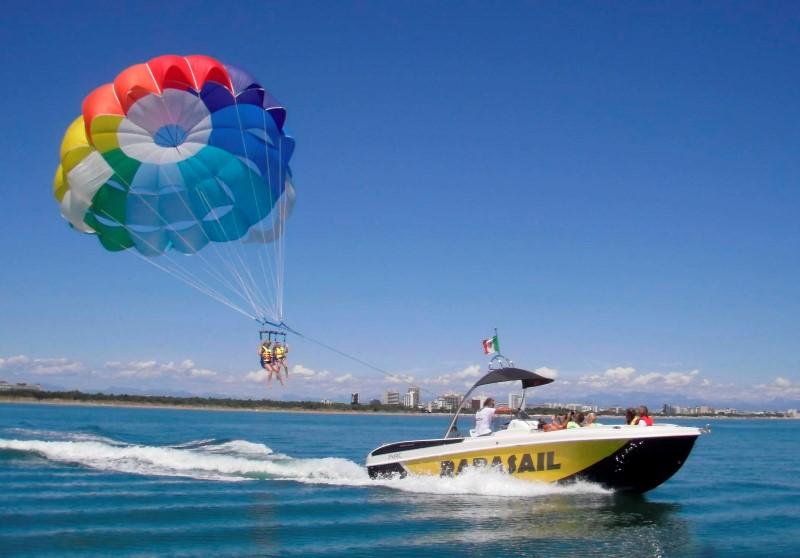 Parasailing Boats Describes About Prarasailing 28